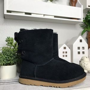 UGG black lace up boots sz 2 youth